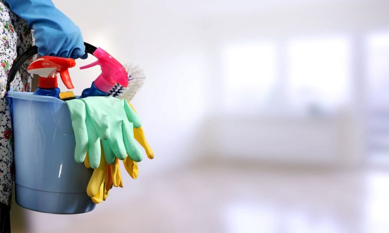 The health advantages of hiring cleaning services